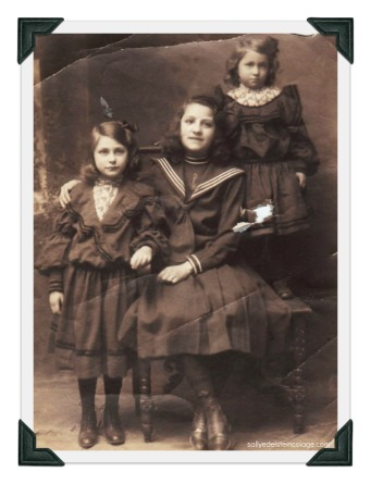 vintage phot of children 1908
