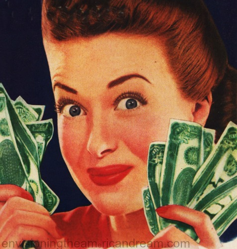 photo vintage woman holding money