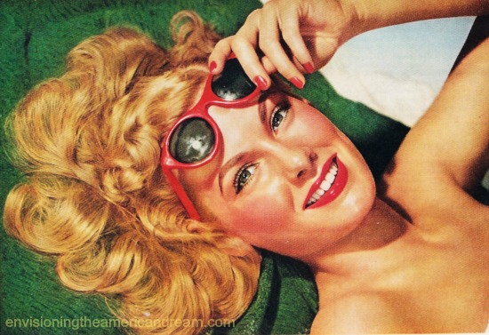 vintage image woman in  sunglasses 1950s