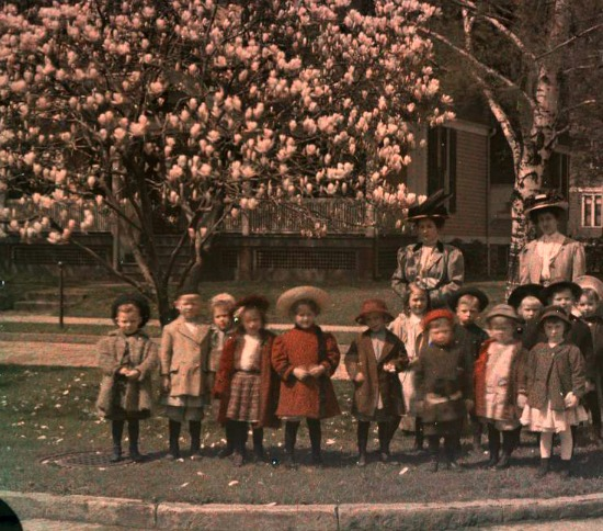 1916 photo School children with teachers