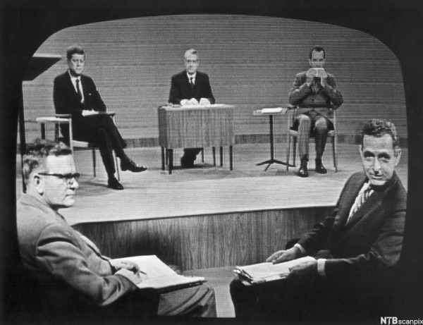 kennedy-nixon-debate-moderator-Howard K. smith