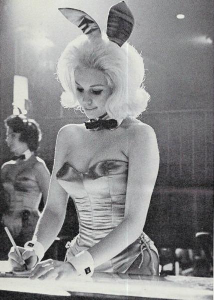 Playboy Bunny/Playboy Centerfold Playmate Jan Roberts Playboy Club 1962