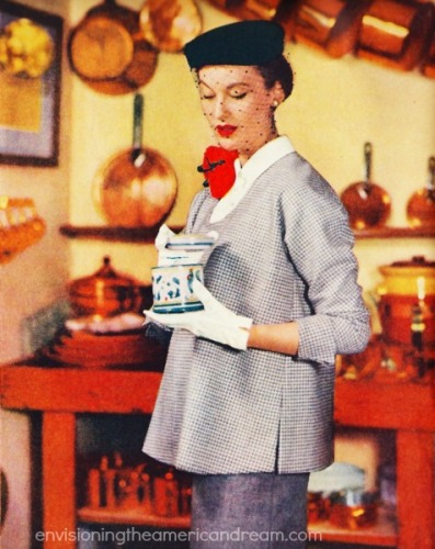 Pregnant woman maternity clothes 1950s