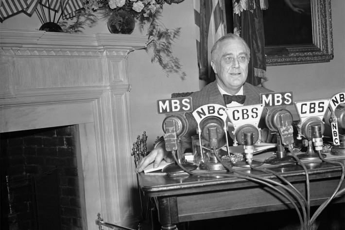 Franklin Roosevelt radio address fireside chat
