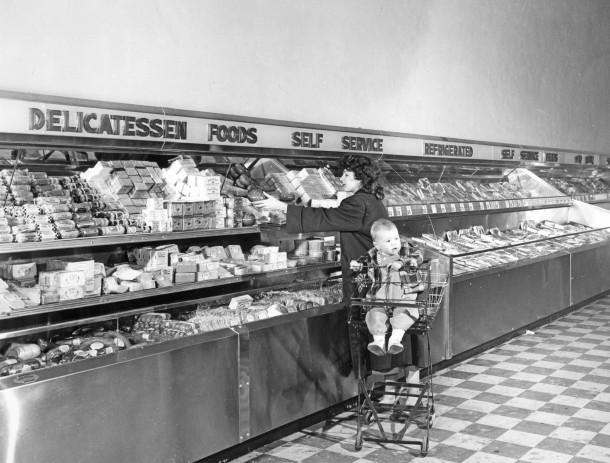 1950's supermarket