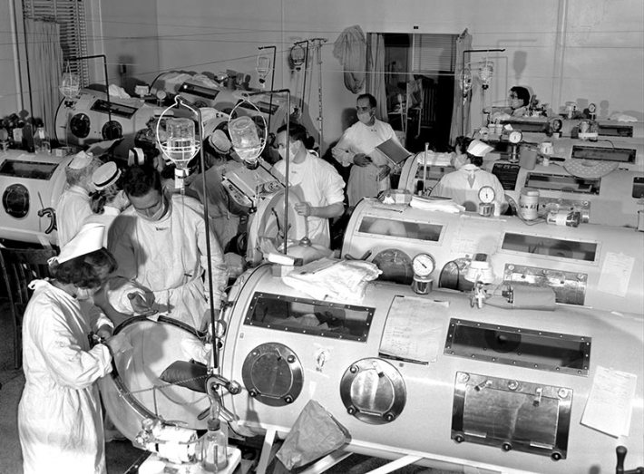 Iron lungs Polio ward 1950s