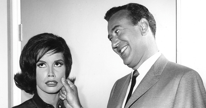 Carl Reiner and Mary Tyler Moore on The Dick Van Dyke Show